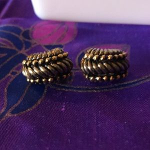 Clip on metal earrings vintage